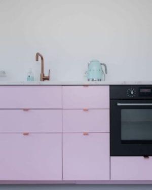 Roze ikea keuken