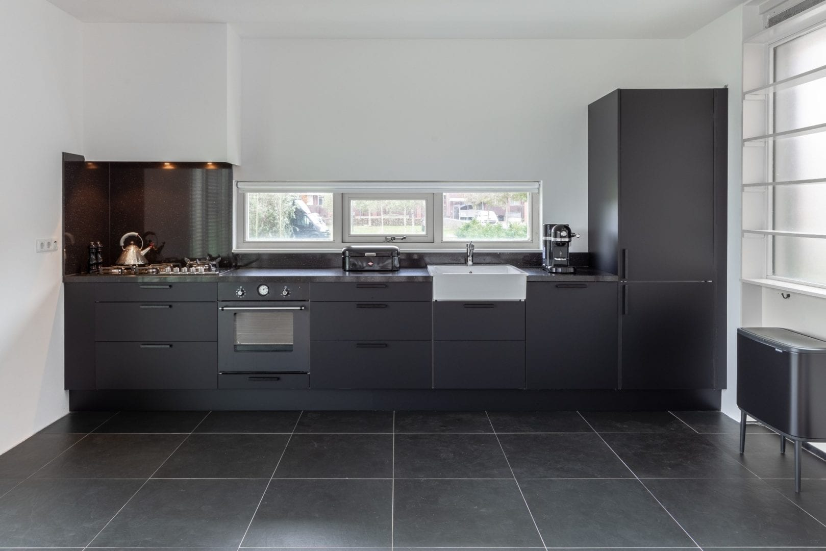 IKEA keuken deuren veranderen Faktum naar mat zwart