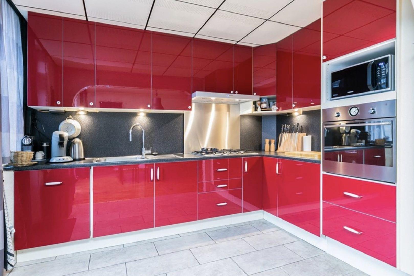 IKEA keukendeuren veranderen hoogglans rood faktum